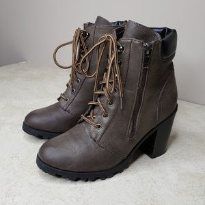 Maurices Heidi Hiker Ankle Boots Side Zip Size 7.5